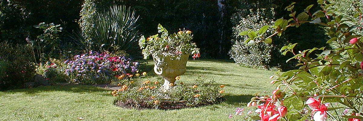 Large Garden Landscaping Wandsworth